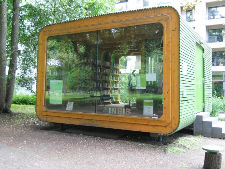 """Pop-up,"" mobile, modular library in Stadtgarten"