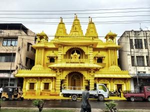 Color in Faith – Iglesias teñidas de amarillo en Kenya para olvidar las diferencias