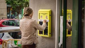 Ceniceros-urna de votación para fomentar la participación ciudadana