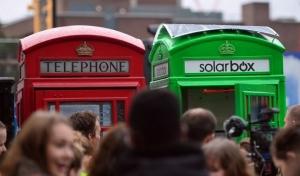 Estaciones de carga solares para móviles en las populares cabinas rojas