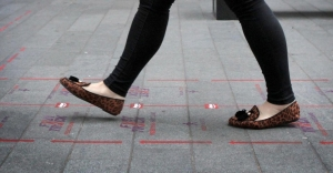 """Fast Track"" pedestrian lanes"