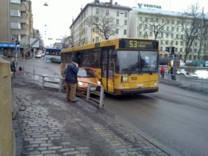 Pagar a los conductores para que cojan el bus