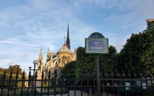 New Paris street signs to celebrate women