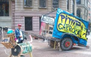 Arte en las carretas de los recogedores de basura