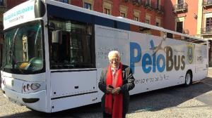 'PeloBus': aseo sobre ruedas para personas sin recursos
