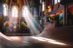 Un parque de skate en iglesias