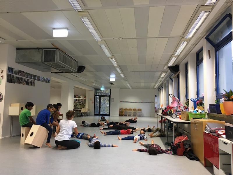 Dancing with refugee kids_Munich