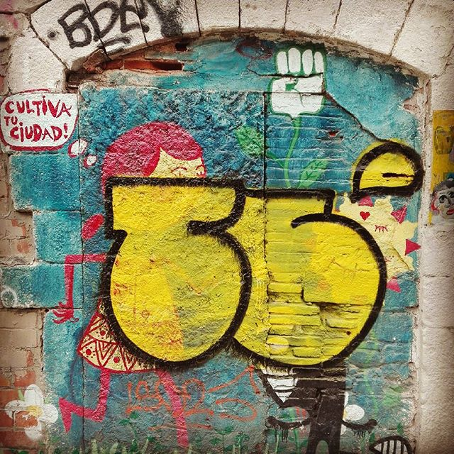 Cultiva tu ciudad (Grow your city) Graffiti in El Born neighborhood