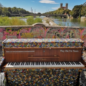 Street pianos for everyone to play: Play Me, I'm Yours
