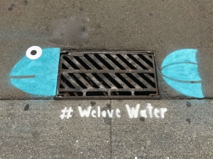 'We love Water': Street art to fight wet wipes flushing