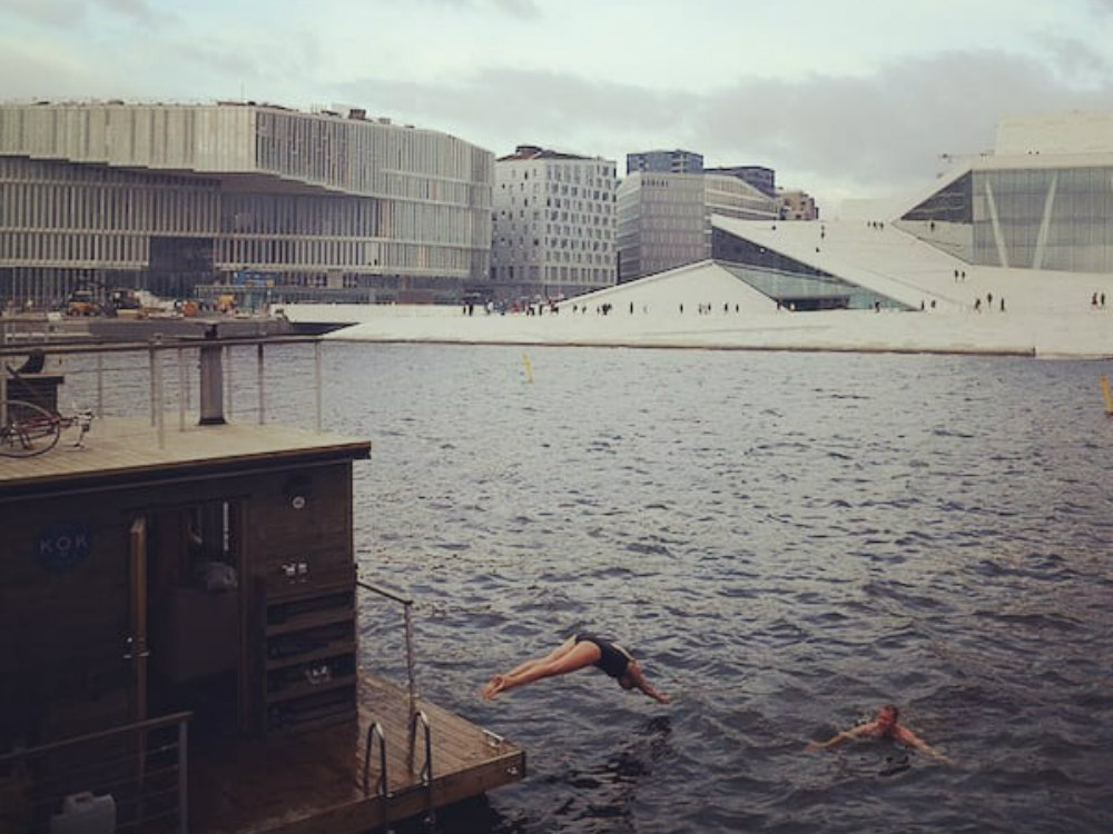 Dips in the fjord after sauna create happiness in Oslo