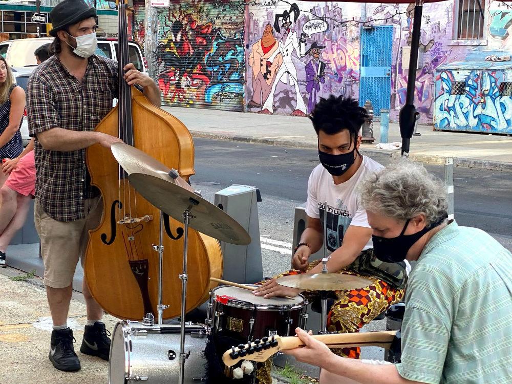 Jazz-music-street-New-York