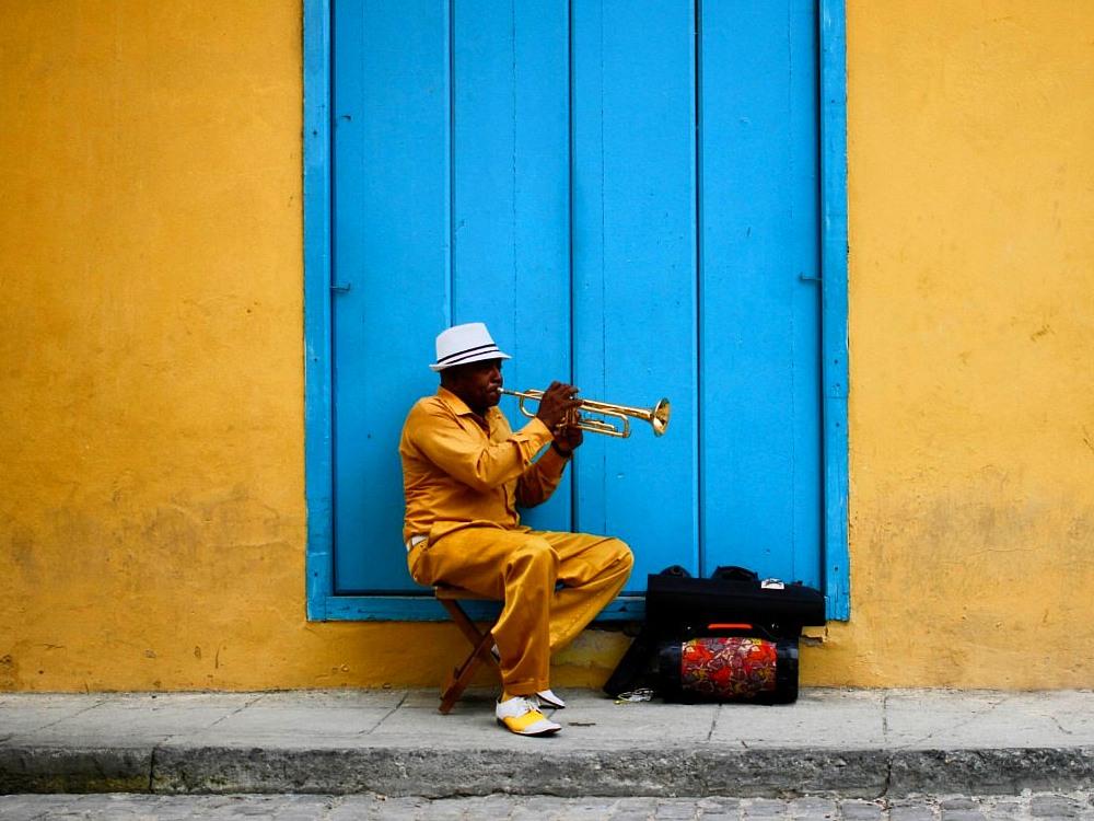 Music-Dance-streets-Havana